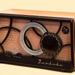 800px-Toshiba_Vacuum_tube_Radio_